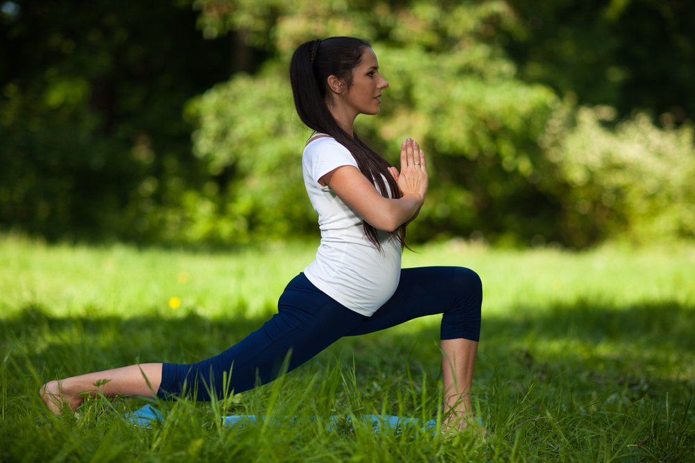 Lunges is an exercise to help ease labor naturally during pregnancy.